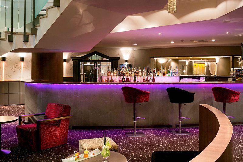 Pullman_Cannes_Bar